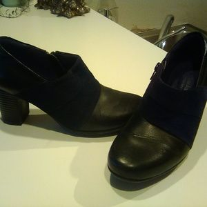 Clarks leather bendables, size 6